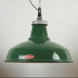 Crossland enamel industrial lights, Suspensions emaillées anglaises